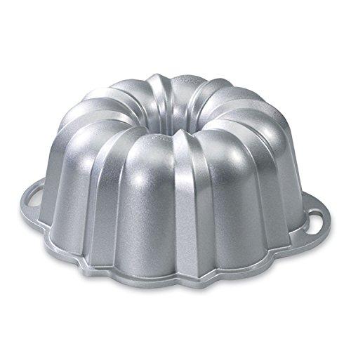 Nordic Ware Platinum Collection Original 10- To 15-cup Bundt Pan