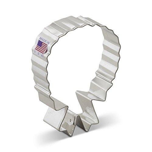 Ann Clark Wreath w Bow Cookie Cutter - 4 Inches - Tin Plated Steel
