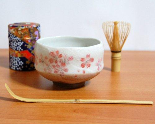 Ryu Mei Beginner Kyoto Ceremony Green Tea Set with Organic Matcha Green Tea Powder Chawan Tea Set Bowl Bamboo Spoon Bamboo Whisk and a Washi Caddy Tin 527-24 Japan Blue Sakura