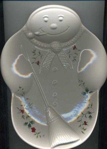 Pfaltzgraff Winterberry Embossed Snowman Plate